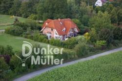 Zu Haus Luftbilder, die Welt von oben aus dem Heißluftballon. Möchtest Du Dein Zuhause mal aus der Luft sehen ?